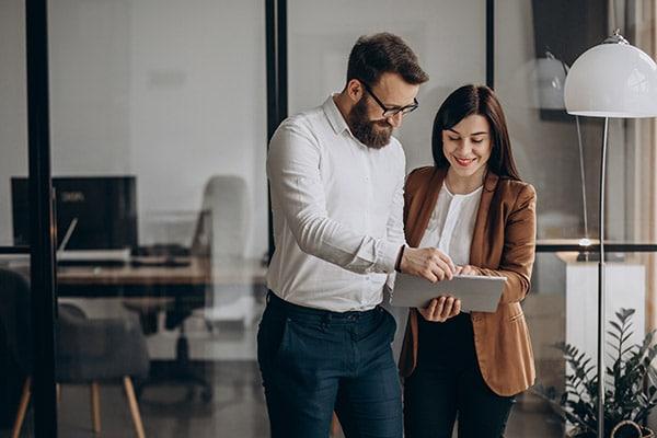 Dos emprendedores discuten tendencias para 2021